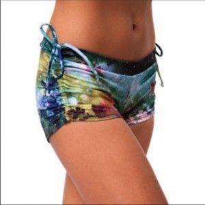 Onzie | Yoga/swim multicolor floral shorts